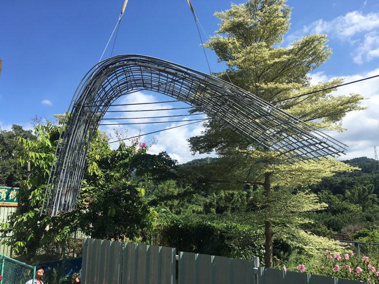 曲面線造型公車亭 鋼網結構960